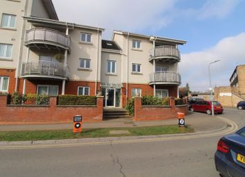 Cedar Avenue, Hazlemere, High Wycombe HP15. 2 bed flat for sale