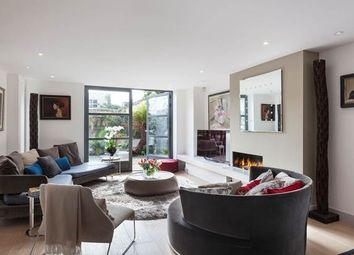Thumbnail 3 bedroom property for sale in Opal Mews, London
