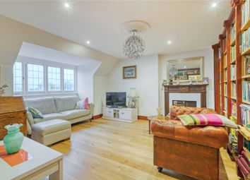 3 bed maisonette to rent in Kidderpore Gardens, Hampstead, London NW3