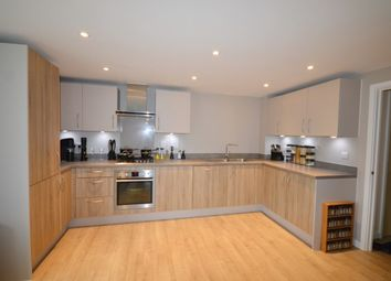 Thumbnail 2 bed property to rent in Welchs Crescent, Cambridge