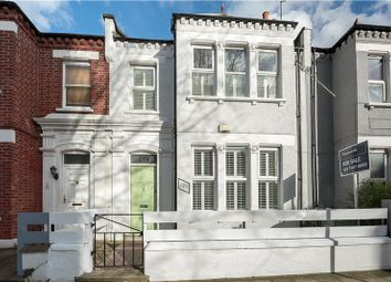 3 bed property for sale in Dorset Road, Oval, London SW8