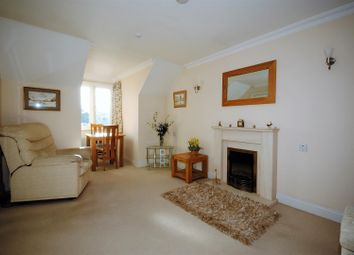 Thumbnail 1 bed property to rent in High Street, Berkhamsted