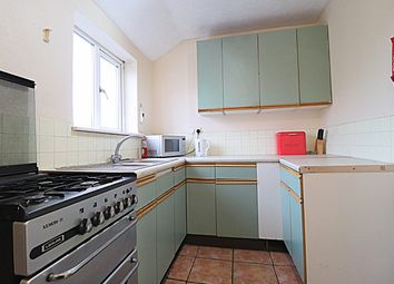 Thumbnail 3 bed flat to rent in Goldington Road, Bedford
