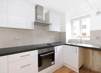 Thumbnail 1 bed flat to rent in Ringwood Gardens, Canary Wharf, London