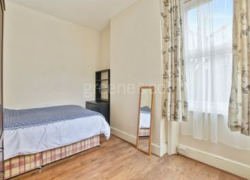 1 bed property to rent in Dundonald Road, Queens Park, London NW10