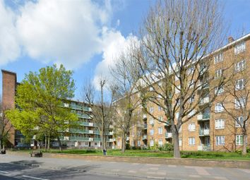 Thumbnail 4 bed flat to rent in Old Ford Road, London