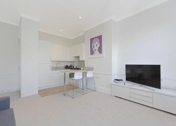 Thumbnail 1 bed flat to rent in Dukes Avenue, Chiswick, London