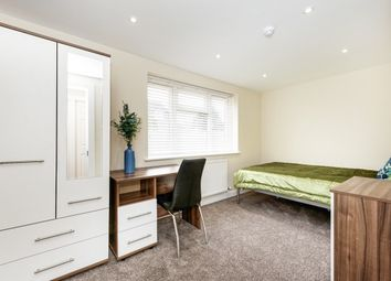 Thumbnail Room to rent in Waltham Avenue, Guildford
