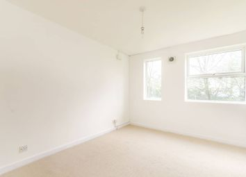 Thumbnail 3 bedroom flat for sale in Glenbuck Road, Surbiton
