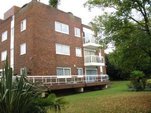 Thumbnail 2 bed flat to rent in Oak Lodge Close, Stanmore