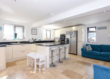 Thumbnail 4 bed detached house to rent in Oxford Hill, Witney