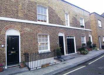 Thumbnail 3 bed flat to rent in Skinner Place, London