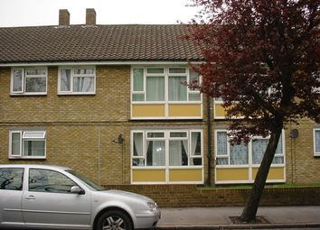 Thumbnail 2 bed flat for sale in The Crescent, Croydon