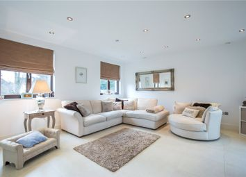 Thumbnail 2 bedroom flat for sale in Aylmer Road, East Finchley, London
