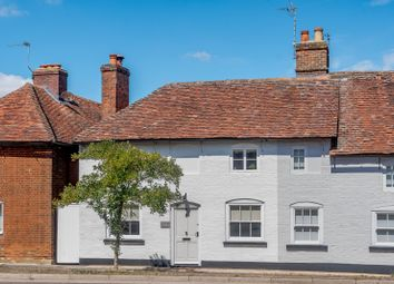 Farnham Road, Odiham, Hook, Hampshire RG29. 3 bed semi-detached house