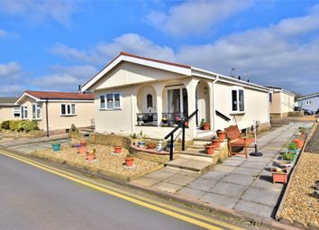 2 bed mobile/park home for sale in Jensen Drive, Blackpool, Lancashire FY4