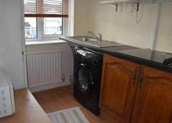 Thumbnail 1 bed flat to rent in Dean Drive, Stanmore