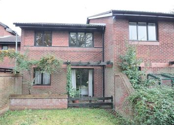 Thumbnail 1 bed flat to rent in Worcester Drive, Didcot, Oxon