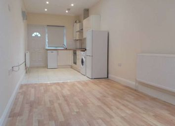1 bed flat to rent in Emanuel Avenue, London W3
