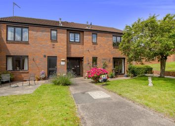 Thumbnail 2 bedroom flat for sale in Peakes Croft, Bawtry, Doncaster