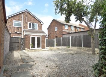 Thumbnail 3 bed detached house to rent in Harefield Road, Pontefract