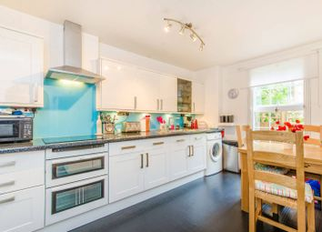 Thumbnail 3 bedroom flat to rent in Northampton Street, Canonbury