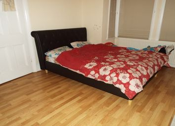 Thumbnail 4 bed property to rent in Lathom Road, London