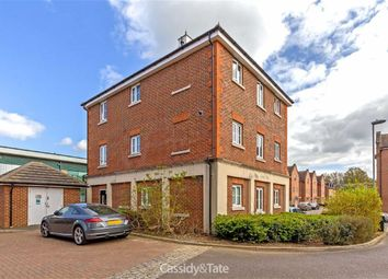 Thumbnail 2 bed flat to rent in Centaurus Square, St Albans, Hertfordshire