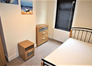 Thumbnail 4 bed shared accommodation to rent in Fully Furnished Double Room To Rent, With All Bills Included, Summers Street, Rodbourne