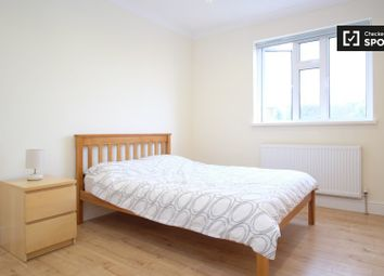 Thumbnail Room to rent in Strathbrook Road, London