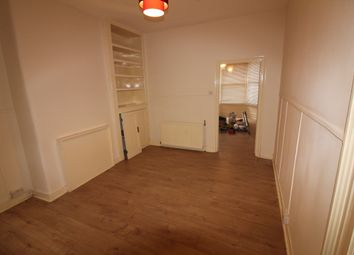 Thumbnail 2 bed flat to rent in Windsor Road, Palmers Green