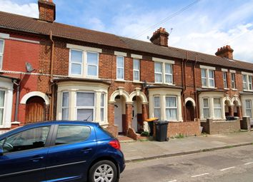 Thumbnail 5 bed terraced house to rent in Ombersley Road, Bedford