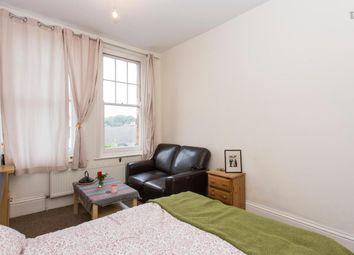 Thumbnail Room to rent in Victoria Mansions, London