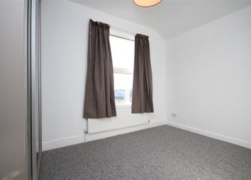 Thumbnail Room to rent in Nightingale Road, London