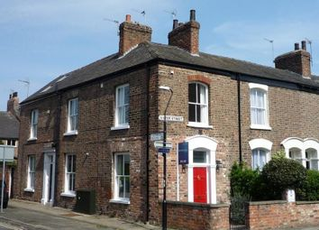 2 bed property to rent in Victor Street, York YO1