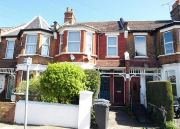2 bed maisonette to rent in Manor Park Road, East Finchley N2