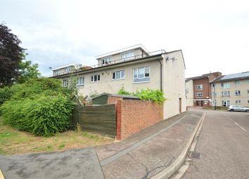 Whiteoaks Lane, Greenford UB6. 3 bed maisonette