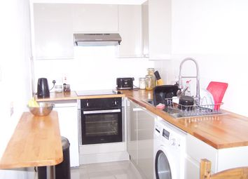 Thumbnail 1 bed flat to rent in Wordsworth Road, Penge, London