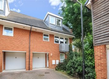 Thumbnail 2 bed town house to rent in Barkham Mews, Queens Road, Reading, Berkshire