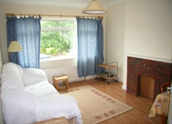 Thumbnail 2 bedroom maisonette to rent in Windermere Road, Reading