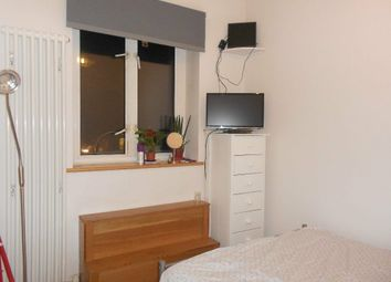 Room to rent in Brewster Gardens, North Kensington W10