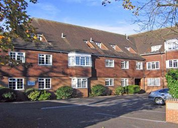 Thumbnail 4 bedroom flat to rent in Grove Road, Beaconsfield