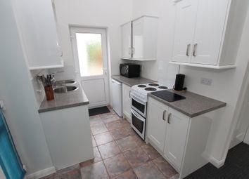 Thumbnail 1 bed flat to rent in Reading Road, Wokingham, Berkshire