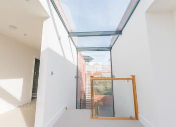 Thumbnail 5 bedroom property for sale in Cliff Approach, Brighton
