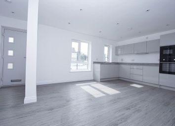 Thumbnail 1 bed flat to rent in Molesey Road, Walton-On-Thames