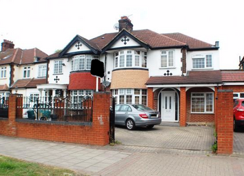 Thumbnail 5 bed terraced house for sale in Great West Road, Hayes
