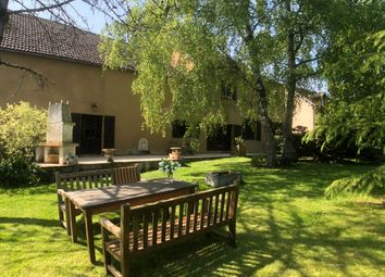 Thumbnail 4 bed town house for sale in Burgundy, Auxerre (Commune), Auxerre, Yonne, Burgundy, France