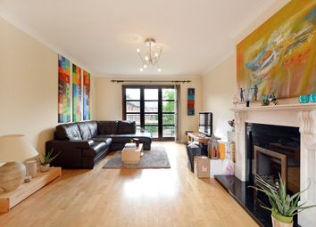 Thumbnail 2 bed flat for sale in Finland Street, London