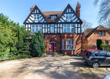 Thumbnail 2 bed flat to rent in St Johns Street, Crowthorme, Berkshire
