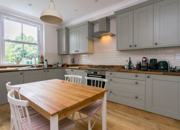 Thumbnail 2 bedroom flat to rent in Fernlea Road, London